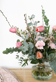 Blumen At the moment, I'm just a notch pale orange and pink combinations Bouquets (other hailujen an Little Flowers, Pretty Flowers, Flowers In Hair, Silk Flowers, Beautiful Flower Arrangements, Floral Arrangements, Wedding Vases, Wedding Flowers, Belle Plante