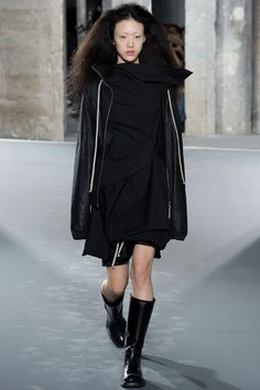 Rick Owens Spring 2016 Ready-to-Wear Collection Photos - Vogue