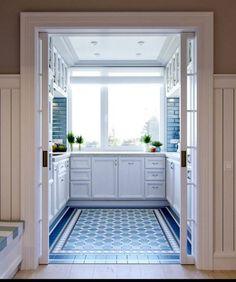 New Kitchen Cabinets, Kitchen Doors, Kitchen Flooring, White Cabinets, Bathroom Flooring, Küchen Design, House Design, Design Ideas, Blue Backsplash
