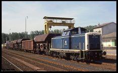 212369 mit Güterzug Richtung Darmstadt auf der Odenwaldbahn im Bahnhof Michelstadt am 14.8.1989 um 10.52 Uhr. Gerd Hahn