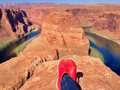 Horseshoe Bend, Arizona with LIGHTWING Trainers in Red. Thanks for sharing, @mabellefifa  | THE UT.LAB | Wanderlust *