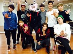 Donghae Twitter and IG Update with SJ members .. Leeteuk's the one with a sticker on the face :P