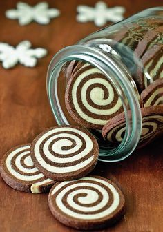 Chocolate espresso worm - So, go on – there is still much to do! Today& biscuits are not normal, but today there are - Cookie Recipes, Snack Recipes, Dessert Recipes, Recipes Dinner, Christmas Baking, Christmas Cookies, Christmas Recipes, Pumpkin Spice Cupcakes, Cookies Et Biscuits