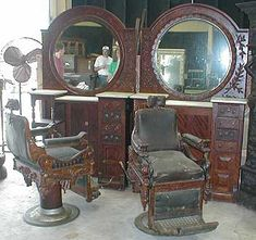 barber station...would love this in my. ....bathroom...separate them use in bedroom ...they don't make em' like this any more...
