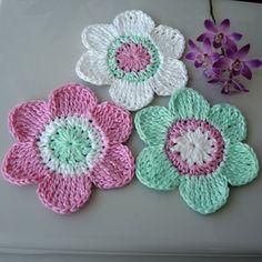 Háčkované kytičky - velké Crochet Flowers, Crochet Necklace, Blanket, Tutorials, Tejidos, Crocheted Flowers, Crochet Flower, Blankets, Cover