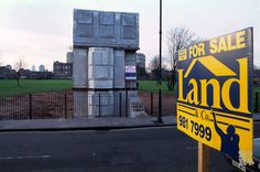 Front view of Rachel Whiteread house with Land & Co 'For Sale' sign, East End terraced house cast in concrete in Bow, London. History Books, Art History, Mile End Park, Tom Daley Diving, House With Land, Rachel Whiteread, End Terrace House, House Cast, Roman Roads