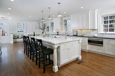 80 Modern Farmhouse Kitchen Lighting Decor Ideas and Remodel – Home Design Kitchen Island Lighting Uk, Farmhouse Kitchen Lighting, Modern Farmhouse Kitchens, Cool Kitchens, White Kitchens, Dream Kitchens, Farmhouse Ideas, Beautiful Kitchens, Farmhouse Style