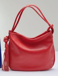 ソフトレザーフリンジバッグ〈アルキミア〉 Purses And Handbags, Leather Handbags, Leather Bags, Handmade Purses, Diy Christmas Gifts, Leather Craft, Mini Bag, Backpacks, My Favorite Things