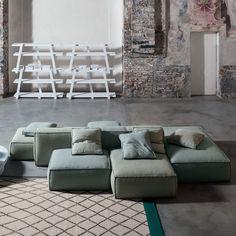 Peanut B modulaire sofa - Bonaldo Sofa Design, Canapé Design, Living Room Sofa, Living Room Decor, Sofa Furniture, Furniture Design, Modular Sectional Sofa, Wrought Iron Patio Chairs, Design Moderne