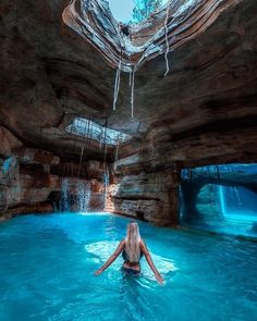 adventure travel 4 Best Destinations for Solo Travelers in 2019 Vacation Places, Dream Vacations, Vacation Spots, Honeymoon Places, Vacation Wear, Honeymoon Destinations, Vacation Trips, Atlantis Bahamas, The Bahamas