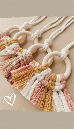 Yarn Crafts, Diy Crafts, Mirror Hangers, Macrame Design, Cute Cars, Macrame Patterns, Sweet Girls, Warm Colors, Boho Fashion