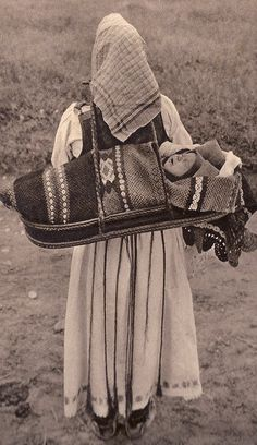Romania old photos Vintage Photographs, Vintage Photos, Folk Costume, Costumes, Romania People, Baby Carrying, Baby Kind, My Heritage, People Of The World