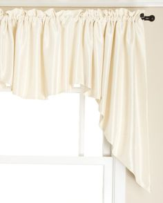Twill and Birch Reflections Lined Jabot Set, Ivory, 108 by 36-Inch