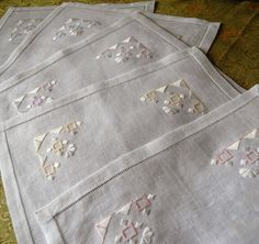 Appliques, Alexander Mcqueen Scarf, Model, Fashion, Crafts, Feltro, Burlap Table Runners, Smocking, Manualidades
