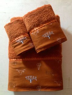 Texas Longhorn Bath Towel Set.  www.ladydiblankets.etsy.com - Love her stuff!