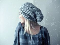 This handknitted slouchy beret made with high quality grayish blue yarn which contains 50% wool-50%acrylic. Its perfect for cold winter in order to
