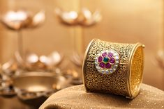Sunar Jewels Product Campaign Photographed by Varun ChauhanStyling by Vijay RoyJewellery Retouched by Pari Kang & Retouching India Gold Bangles For Women, Gold Bangles Design, Gold Jewellery Design, Bridal Jewellery, Gold Jewelry, Jewelry Ads, Diamond Jewelry, Gold Mangalsutra Designs, Antique Jewellery Designs