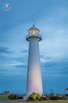 Biloxi Mississippi Lighthouse after Sunset Biloxi Lighthouse, Lighthouse Art, Marblehead Lighthouse, Lighthouse Lighting, Lighthouse Pictures, Scenic Photography, Landscape Photography, London Photography, Beautiful World