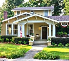 Craftsman Bungalow in Mississippi | hookedonhouses.net