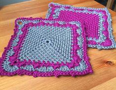 Make a cake oven mitts / grytlappar – Mijo Crochet Crochet Kitchen, Crochet Home, Free Crochet, Knit Crochet, Crochet Potholder Patterns, Crochet Dishcloths, Crochet Doilies, Spa Outfit, Cake Oven