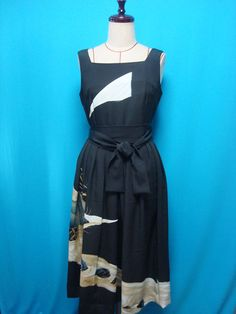 This is a 1940s - 50s vintage silk kimono dress. Materials: 100% silk *used kimono of vintage. The dress is not having a lining. Conditions *Good