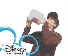 """""""Hi, I'm Calvin and you're watch- nope fuck this"""" source: leafy-is-beefy Dankest Memes, Funny Memes, Hilarious, Shrek, Calvin Vail, Leafy Is Here, Clorox Bleach, Eye Strain, Disney Channel"""