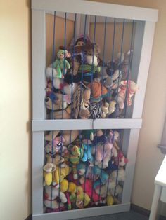 animal stuffed animal zoo made in the corner of the room. Best use of a corner ever. So easy for them to take it and put it away. :] animal stuffed animal zoo made in the corner of the roo Stuffed Animal Storage, Diy Stuffed Animals, Stuffed Toys, Stuffed Animal Organization, Stuffed Animal Zoo, Stuffed Animal Holder, Storing Stuffed Animals, Diy Projects For Kids, Diy For Kids