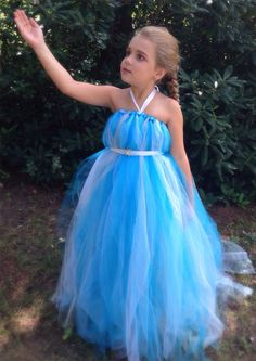Elsa inspired dress. Uses many color variations. Not every dress (tulle) will be exactly like picture as it is handmade and custom to each purchase.