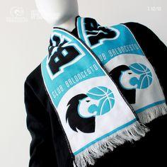 Bufanda Gen 1213 CBB    Composición: 70% Acrílico, 30% Polyester    Artículo insignia e imprescindible para todo aficionado al Club Baloncesto Breogán a un especial low cost. Gym Bag, Club, Basketball