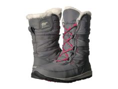 Looking for Vegan Boots by Sorel? We were able to find 6 cruelty-free boots that the brand makes. Rain Boots Fashion, Short Winter Boots, Chelsea Rain Boots, Vegan Boots, Cold Weather Boots, Vegan Clothing, Sorel Boots, Vegan Fashion, Faux Fur Collar
