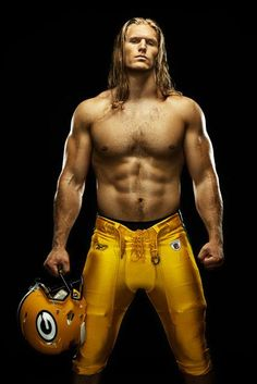 Green Bay Packers Star Linebacker Clay Matthews - hello muscles!
