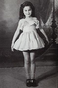 Little Kiri Te Kanawa; Kiri Te Kanawa, Young Celebrities, We Are Young, Opera Singers, Classical Music, Vintage Children, Famous People, Shit Happens, Female
