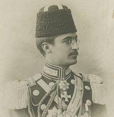 Son Sultan Vahdettin'in damadı İsmail Hakkı Okday Beyefendi. Okday, yurt dışına sürgün edilmeyen tek Osmanlı hanedan mensubudur.