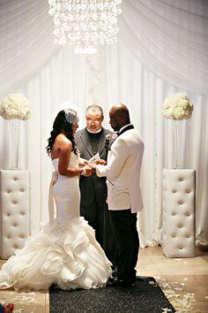 Modern Wedding with Vintage Accents in Philadelphia - Munaluchi Bridal Magazine