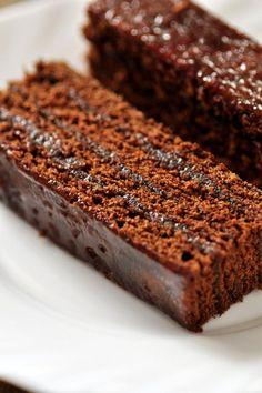 "Recipe: Gingerbread Cake with Plum Jam and Chocolate Sauce – Polish ""Piernik"" « Sammy & Bella: Chefs. Sydney Food Blog. Catering. Best Recipes. Restaurant Reviews. Food & Travel."