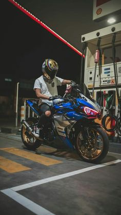 Motorcycle Page – Alara R Turner Moto Wallpapers, Yamaha Sport, Motorcycle Wallpaper, Biker Boys, Motorcycle Photography, Speed Bike, Moto Bike, Motorcycle Style, Sketches