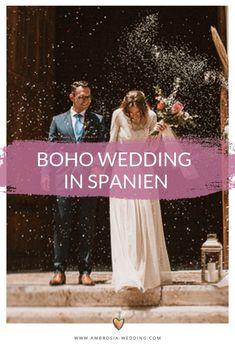 Heiraten am Strand in der Sonne am Meer ist wohl die romantischste Art sich zu trauen. Eine Hochzeit in Spanien am Meer ist entspannt und immer wunderschön. Ambrosia Wedding hilft dir bei der Planung deiner Strandhochzeit. Boho Hochzeit am Strand in Spanien. Traumhochzeit im Boho Stil, Boho Wedding in Spanien. Boho Deko für die Boho Braut. #strandhochzeit #beachwedding #heiratenamstrand #bohowedding #bohohochzeit #bohodeko Spanish Themed Weddings, Spanish Wedding, Mediterranean Wedding, Boho Wedding, Destination Wedding, Dream Of Getting Married, Boho Stil, Wedding Planning On A Budget, Festival Wedding