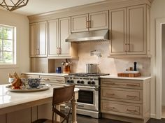 Bathe your cook top in the warm glow of 3 halogen bulbs. This range hood make cooking look a whole let better!