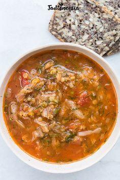 Kapuśniak z pomidorami i soczewicą » Jadłonomia · wegańskie przepisy nie tylko dla wegan Ethnic Recipes, Food, Diet, Meal, Essen, Hoods, Meals, Eten