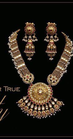 How Clean Gold Jewelry Refferal: 8177010260 Royal Jewelry, India Jewelry, Clean Gold Jewelry, Indian Wedding Jewelry, Latest Jewellery, Jewellery Shops, Handmade Jewellery, Gold Jewellery Design, Designer Jewelry