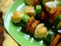 Chicken and Biscuit Kabobs- make this with baked chicken nuggets for a healthy meal! Baked Chicken Nuggets, Chicken And Biscuits, Healthy Baked Chicken, Baked Chicken Recipes, Recipe Chicken, Yummy Appetizers, Appetizer Recipes, Cooking Recipes, Healthy Recipes