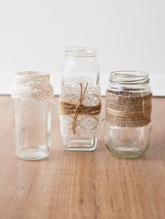 Mason jars with twine, hessian and lace flowers + deco свадьба. Hessian Wedding, Boho Wedding, Rustic Wedding, Wedding Ideas, Wedding Hire, Wedding Bells, Dream Wedding, Wedding Inspiration, Sisal