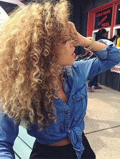 Blonde natural curly hair