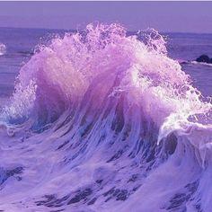 Ultra Violet Pantone Colour of the Year 2018 lila purple Purple Love, Pastel Purple, All Things Purple, Shades Of Purple, Purple Beach, Light Purple, Purple Art, Purple Hues, Lilac Sky
