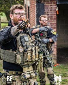 Airsoft hub is a social network that connects people with a passion for airsoft. Talk about the latest airsoft guns, tactical gear or simply share with others on this network Tactical Vest, Tactical Survival, Survival Gear, Military Vest, Military Police, Tactical Equipment, Military Equipment, Special Forces Gear, Airsoft Gear