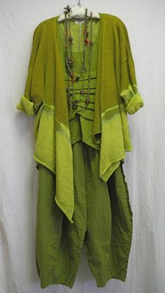 In love with these shades of green. Coming too close to frumpy with the way the over shirt is shaped, would need to do tank top and leggings with over layer, leggings with tunic or well fitting tee with the harem pants. Only one baggy item per outfit!