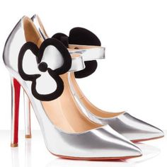 Red bottom Christian Louboutin Pensee 120mm Leather Pumps Silver was designed meticulously and specially for you. The cheap louboutin red bottom shoes are extremely classy and will allow your look to come together perfectly. Besides, the discount red soles Christian Louboutin Pointed Toe Pumpscan be fit for any occasions whether they are casual or formal. Color: Silver Material: Leather Height: 4.7 inches approx. - 120 mm approx.
