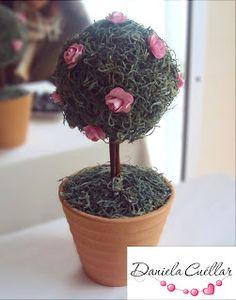 árbolito decorativo con rosas