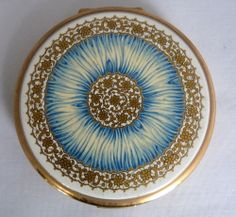 Pretty Vintage Stratton Powder Compact - Blue and Gold