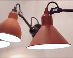 Lampes basse consommation 1 2 Halog¨ne fluo pacte ou LED